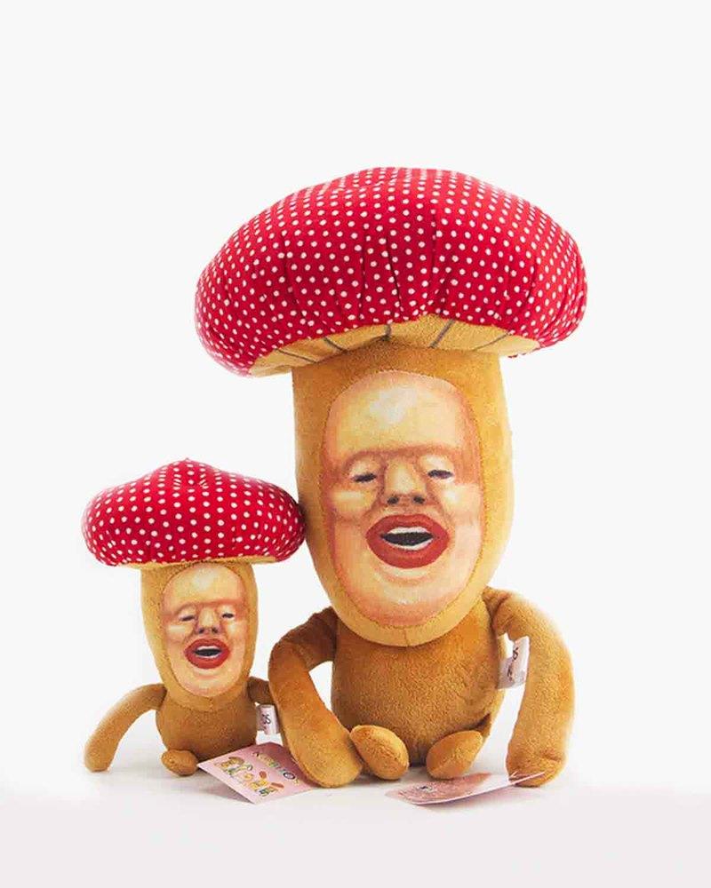 红蘑菇公仔