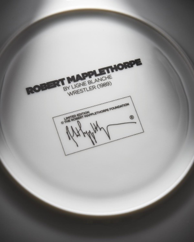 【Robert Mapplethorpe合作款】 裸体摔跤手 Wrestler盘子