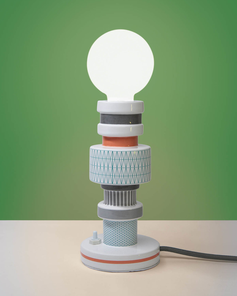 """陶瓷台灯 """"Moresque"""" Table Lamp In Porcelain -Squared"""